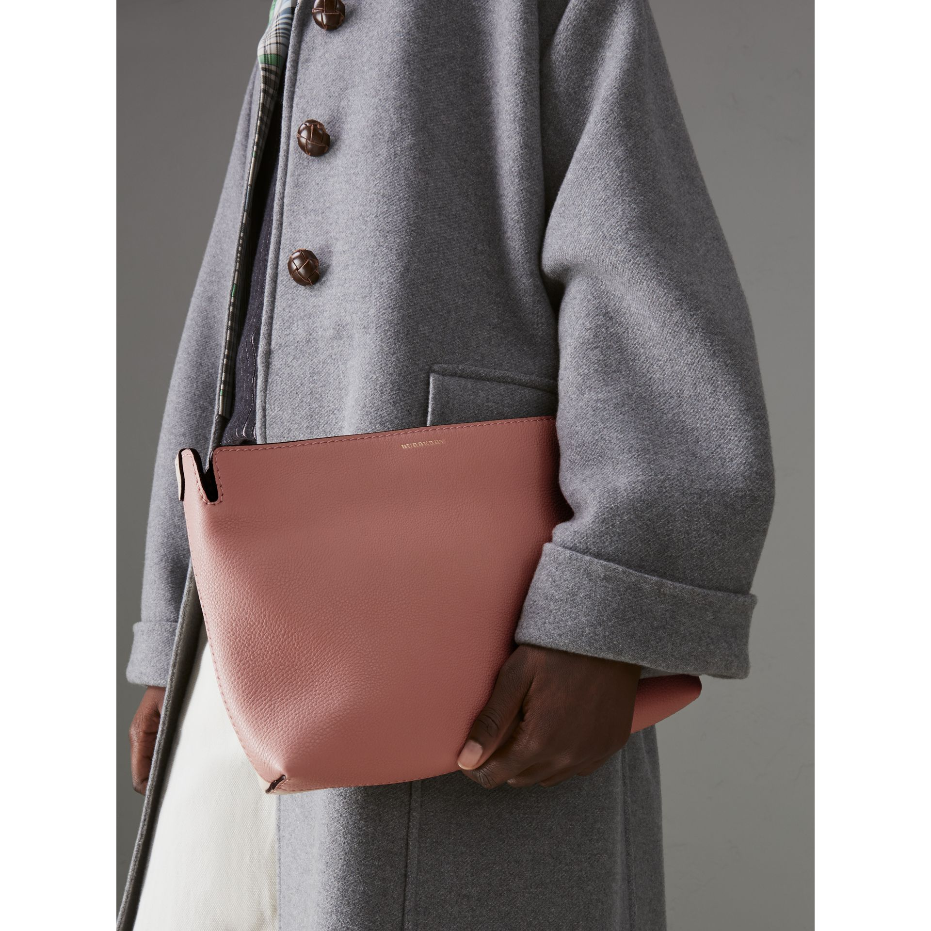 Medium Tri-tone Leather Clutch in Dusty Rose/limestone | Burberry Australia - gallery image 3