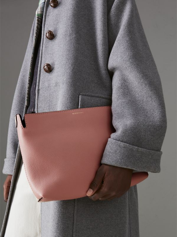 Medium Tri-tone Leather Clutch in Dusty Rose/limestone | Burberry Australia - cell image 3