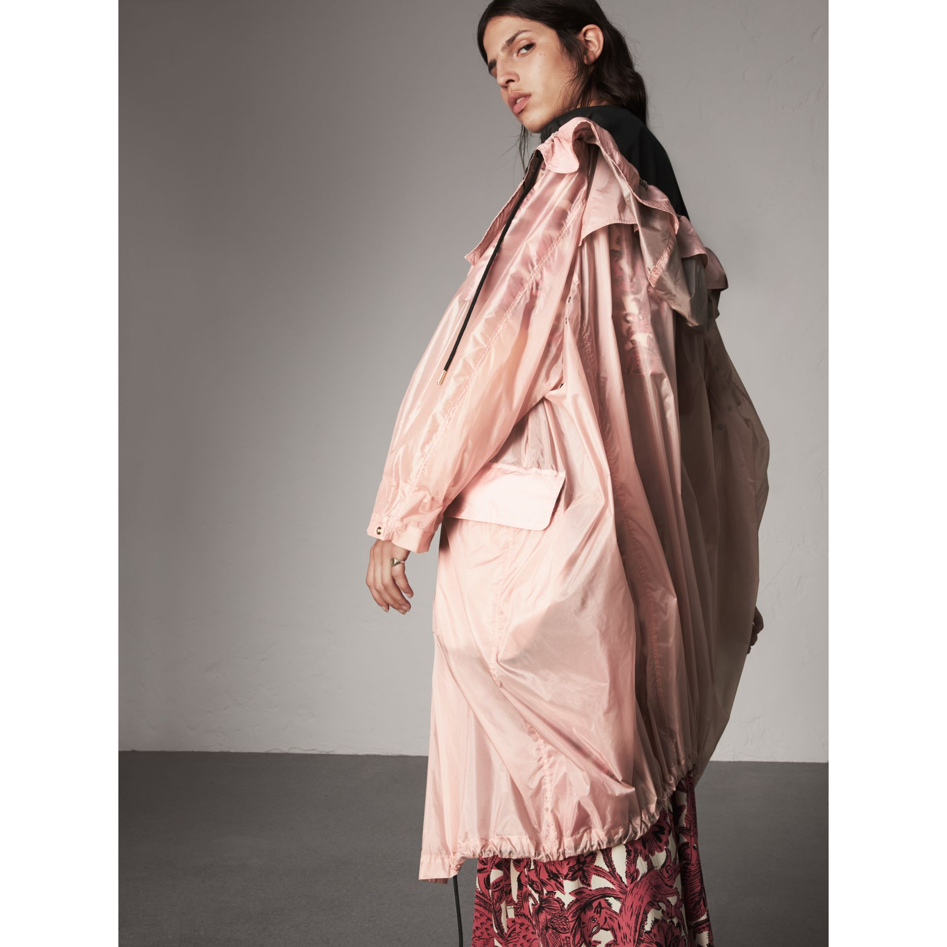 Hooded Lightweight Oversize Parka in Ash Rose - Women | Burberry - gallery image 5