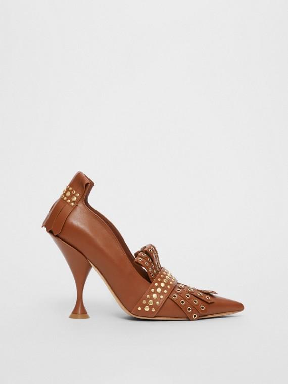 Zapatos de puntera de pico en piel con flecos y tachuelas (Cuero)