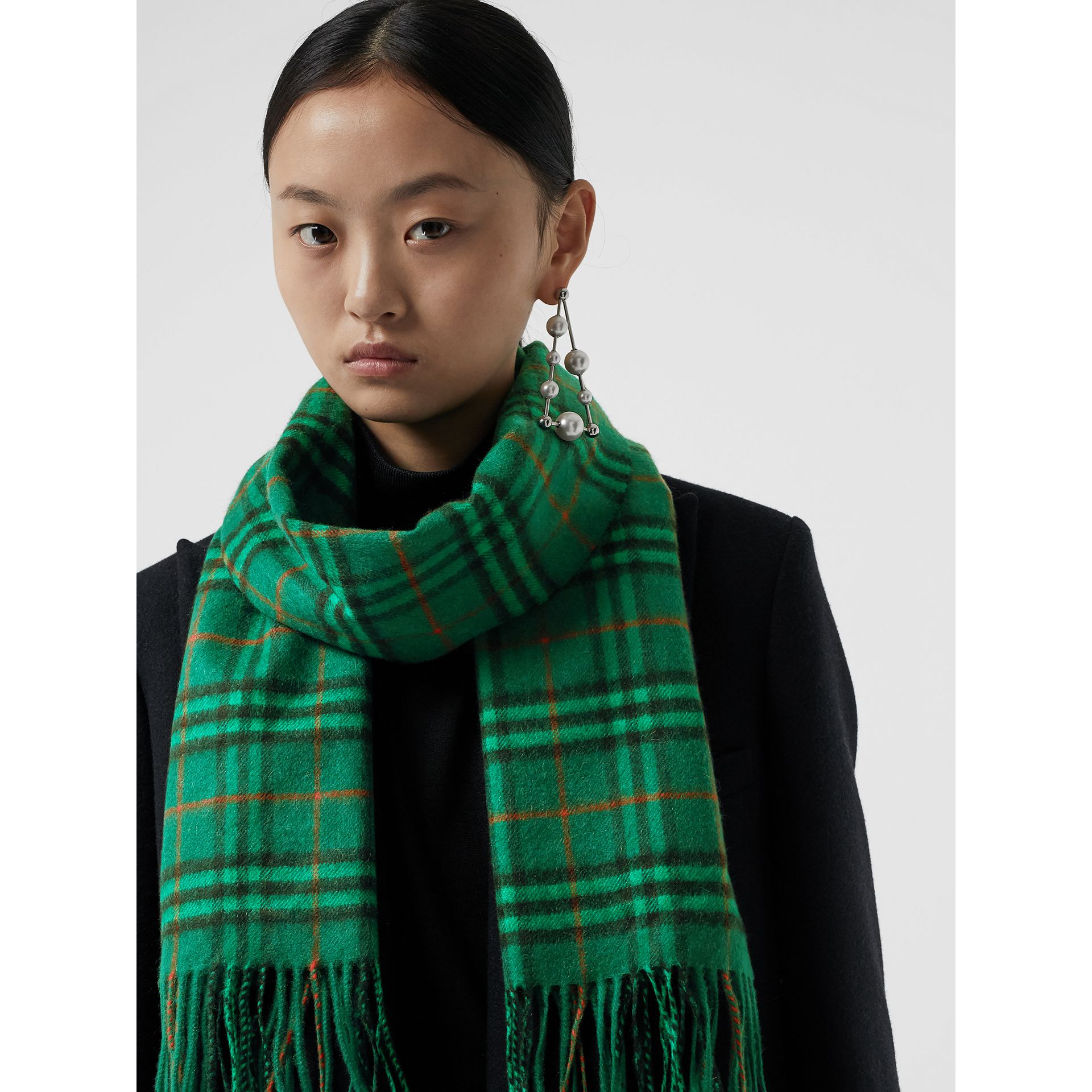 The Classic Vintage Check Cashmere Scarf in Viridian Green | Burberry Australia - gallery image 4