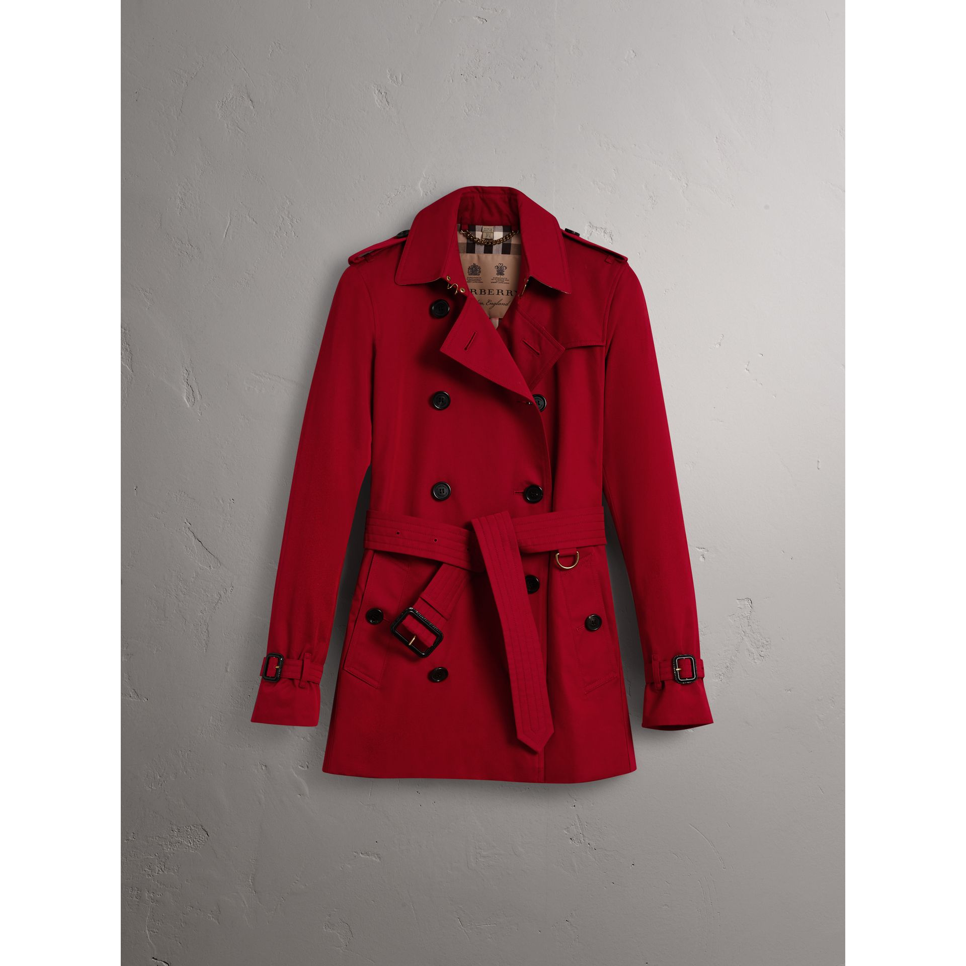 The Kensington – Short Trench Coat in Parade Red - Women | Burberry - gallery image 4