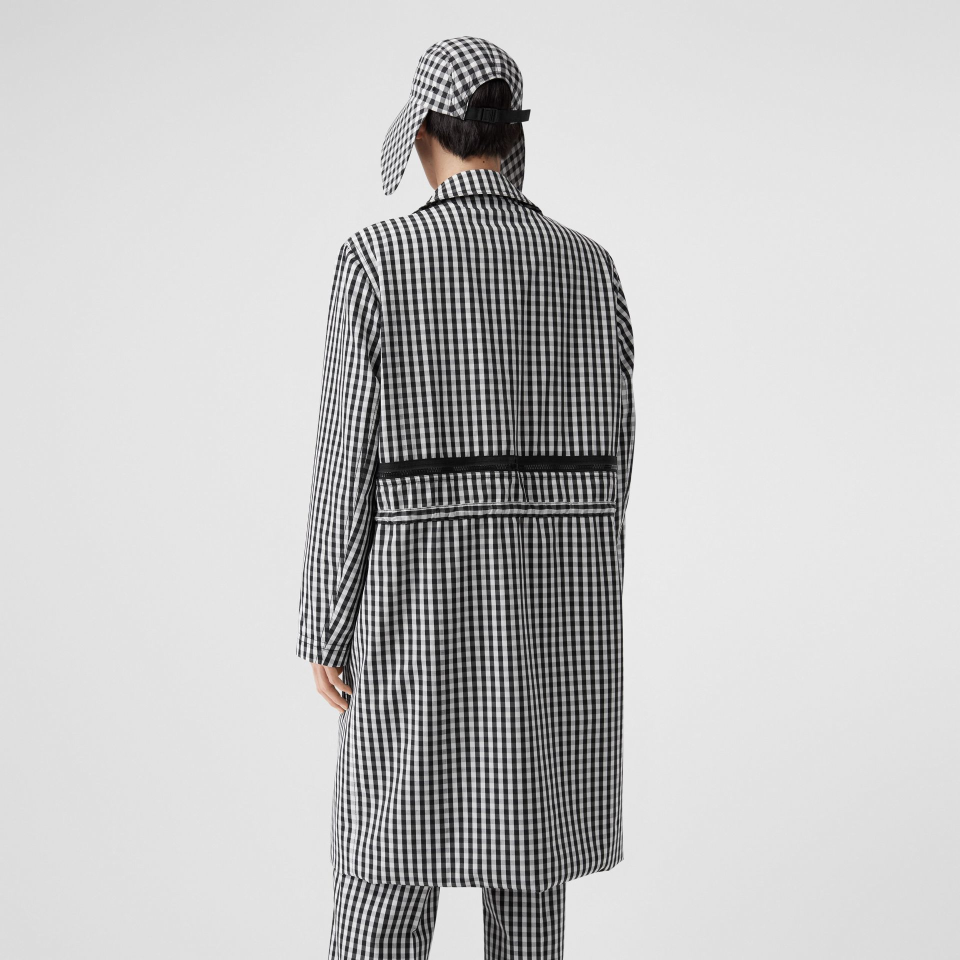 Gingham Technical Wool Loop-back Car Coat in Black | Burberry - gallery image 2