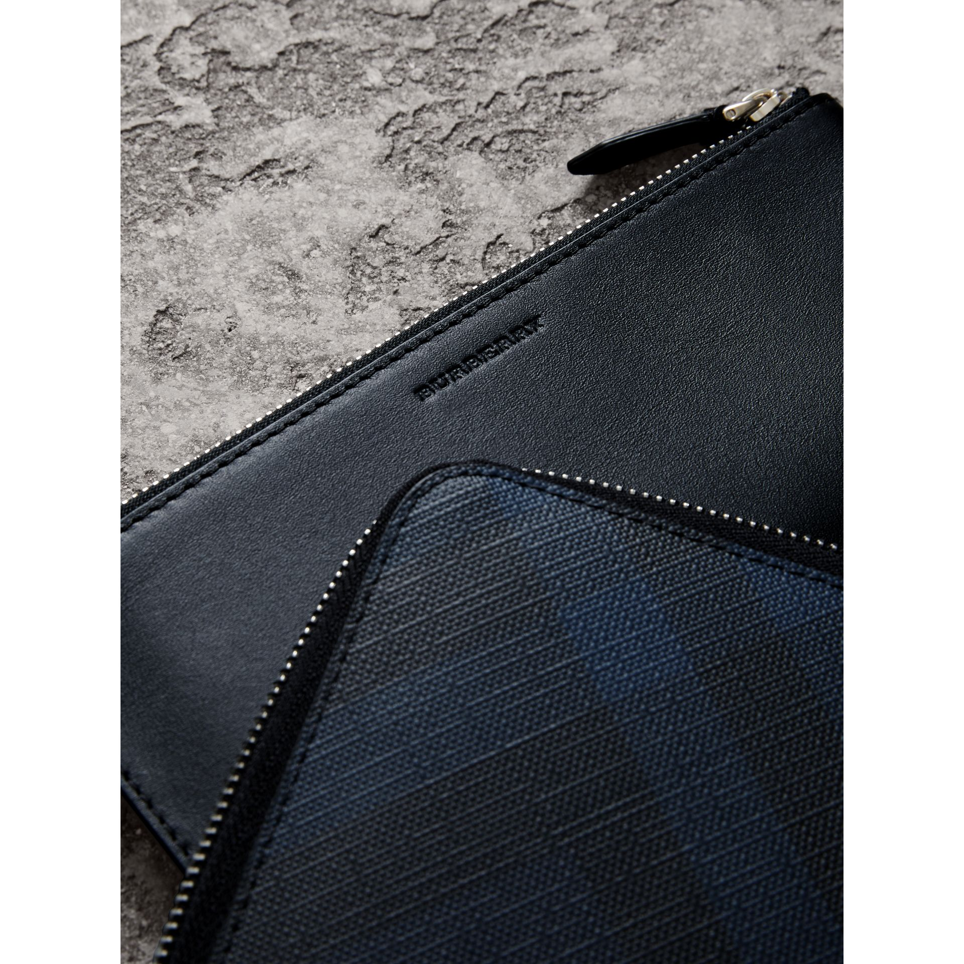 London Check Travel Wallet in Navy/black - Men | Burberry - gallery image 1