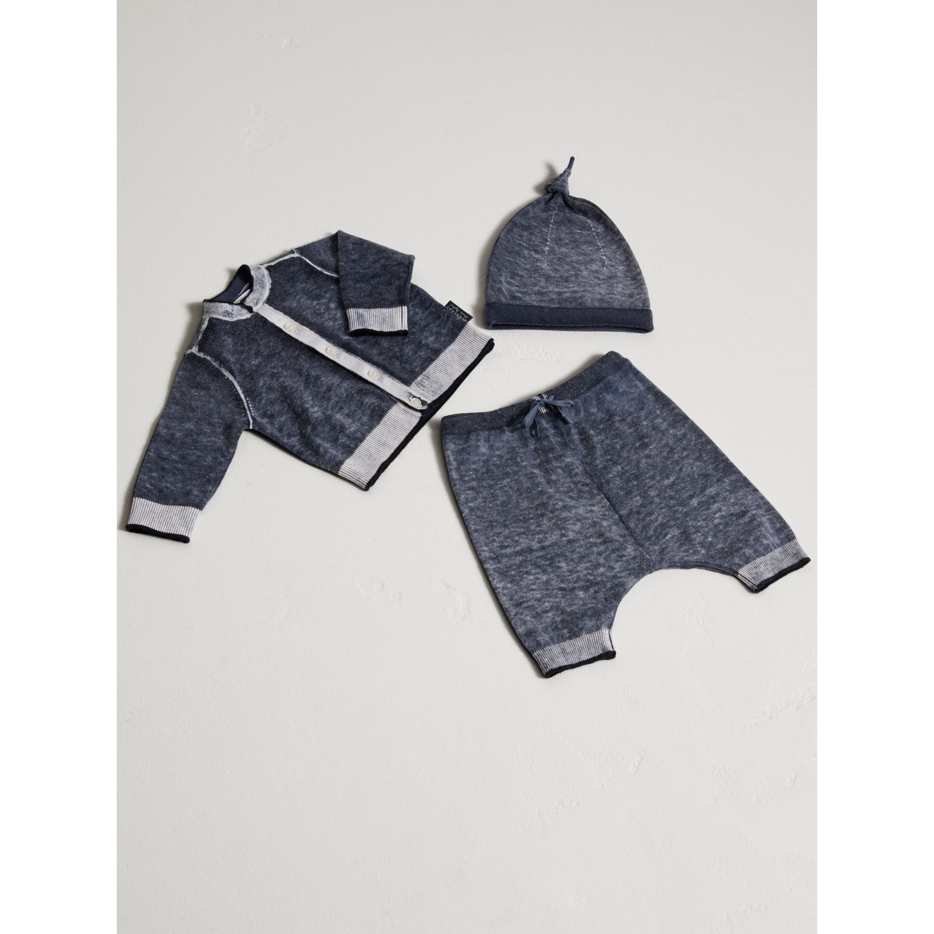 Cashmere Cotton Three-piece Baby Gift Set in Navy | Burberry United Kingdom - gallery image 0