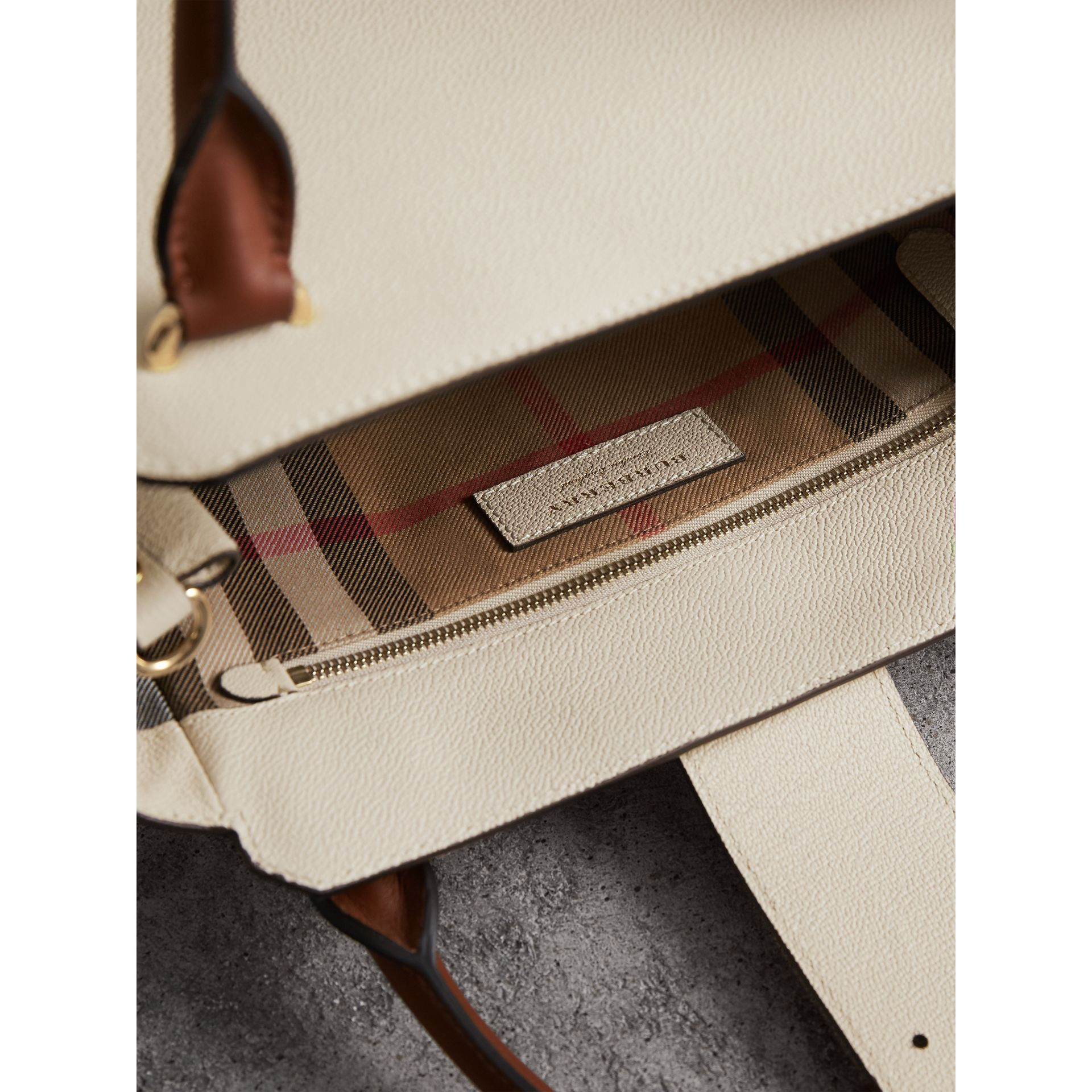 The Medium Buckle Tote in Two-tone Grainy Leather in Limestone - Women | Burberry - gallery image 6