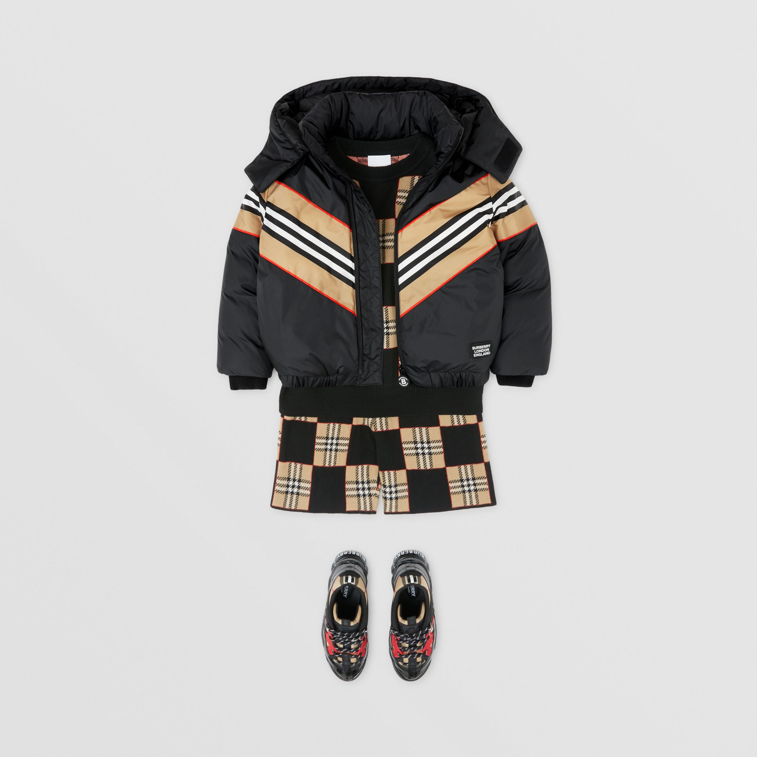 Logo Appliqué Icon Stripe Panel Down-filled Jacket in Black | Burberry - 3