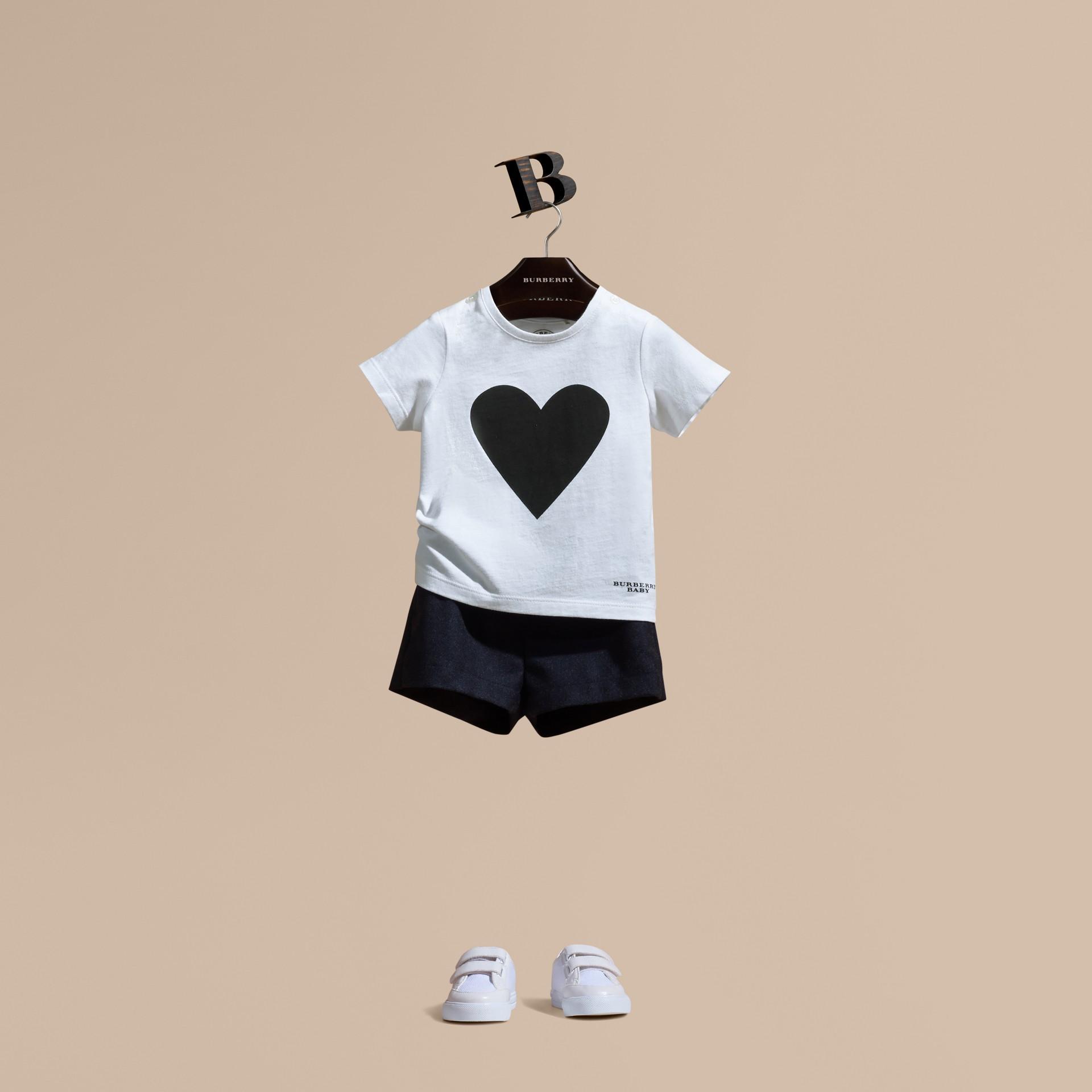 Nero T-shirt in cotone con stampa a cuori Nero - immagine della galleria 1