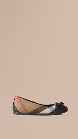 Belt Detail House Check Ballerinas