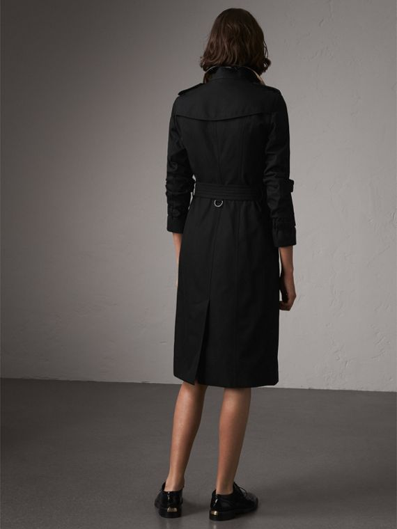 The Sandringham – Extra-long Trench Coat in Black - Women | Burberry Hong Kong - cell image 2