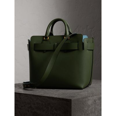 Burberry Sac Cabas Medium Belt en Cuir Vert Sauge FW1sn