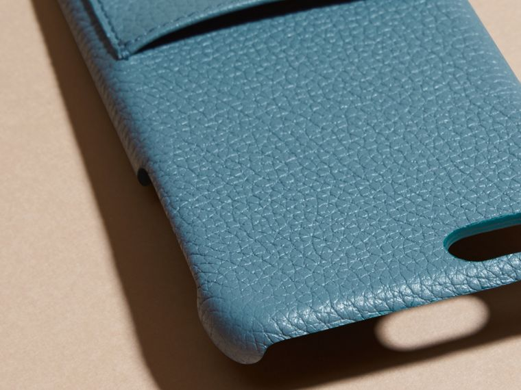 Custodia per iPhone 6 in pelle a grana (Blu Alzavola Polvere) | Burberry - cell image 1