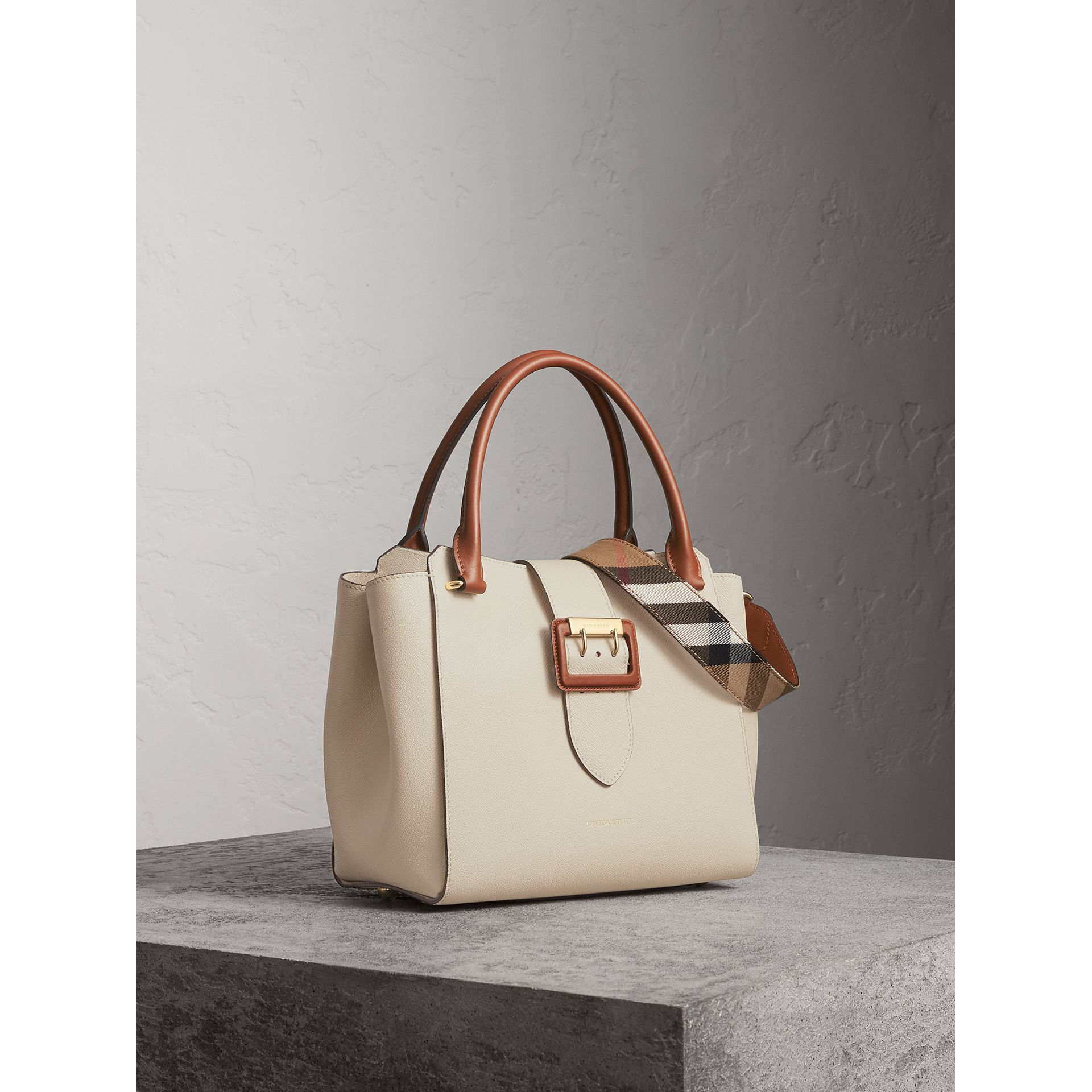 The Medium Buckle Tote in Two-tone Grainy Leather in Limestone - Women | Burberry - gallery image 8