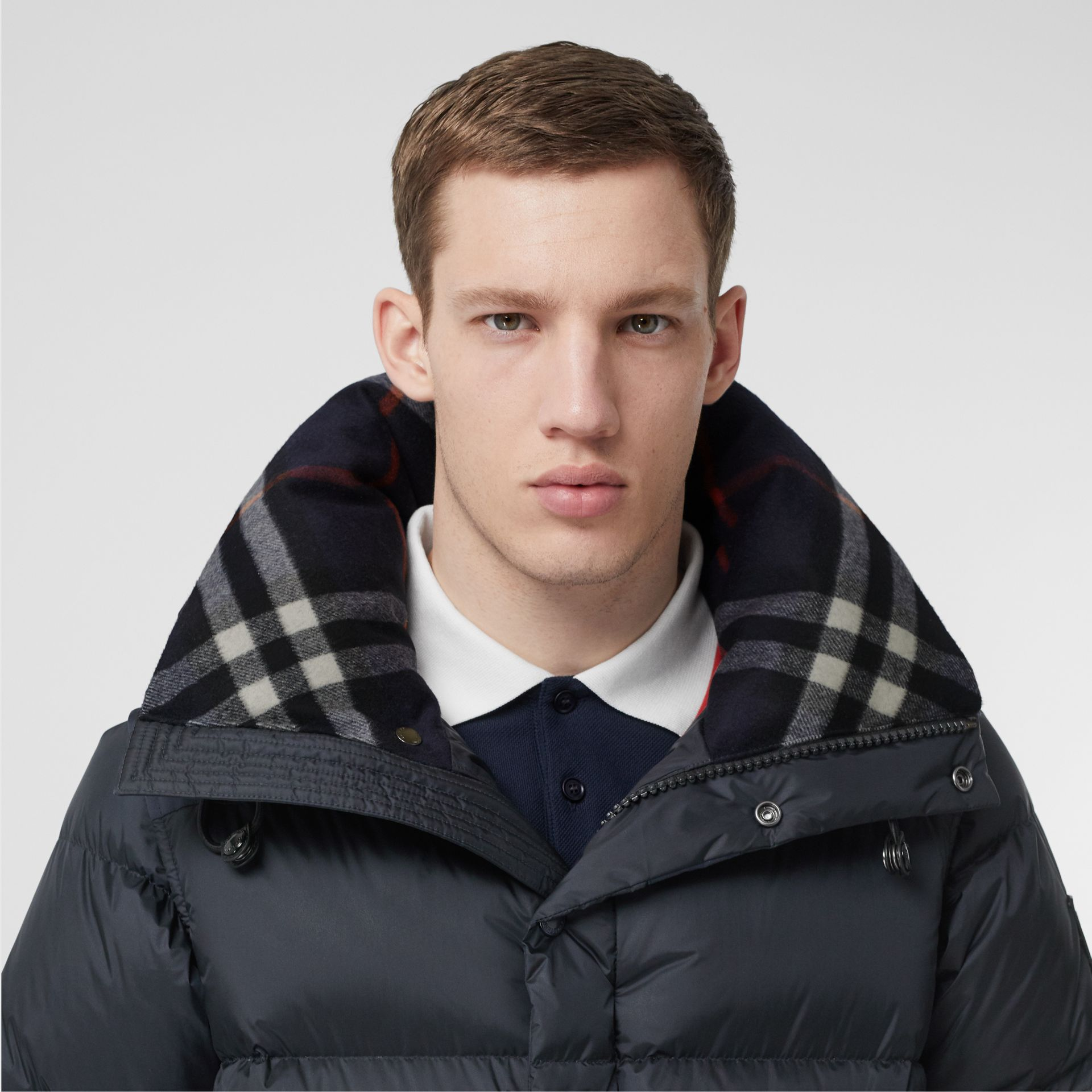 Detachable Sleeve Hooded Puffer Jacket in Navy - Men | Burberry - gallery image 5