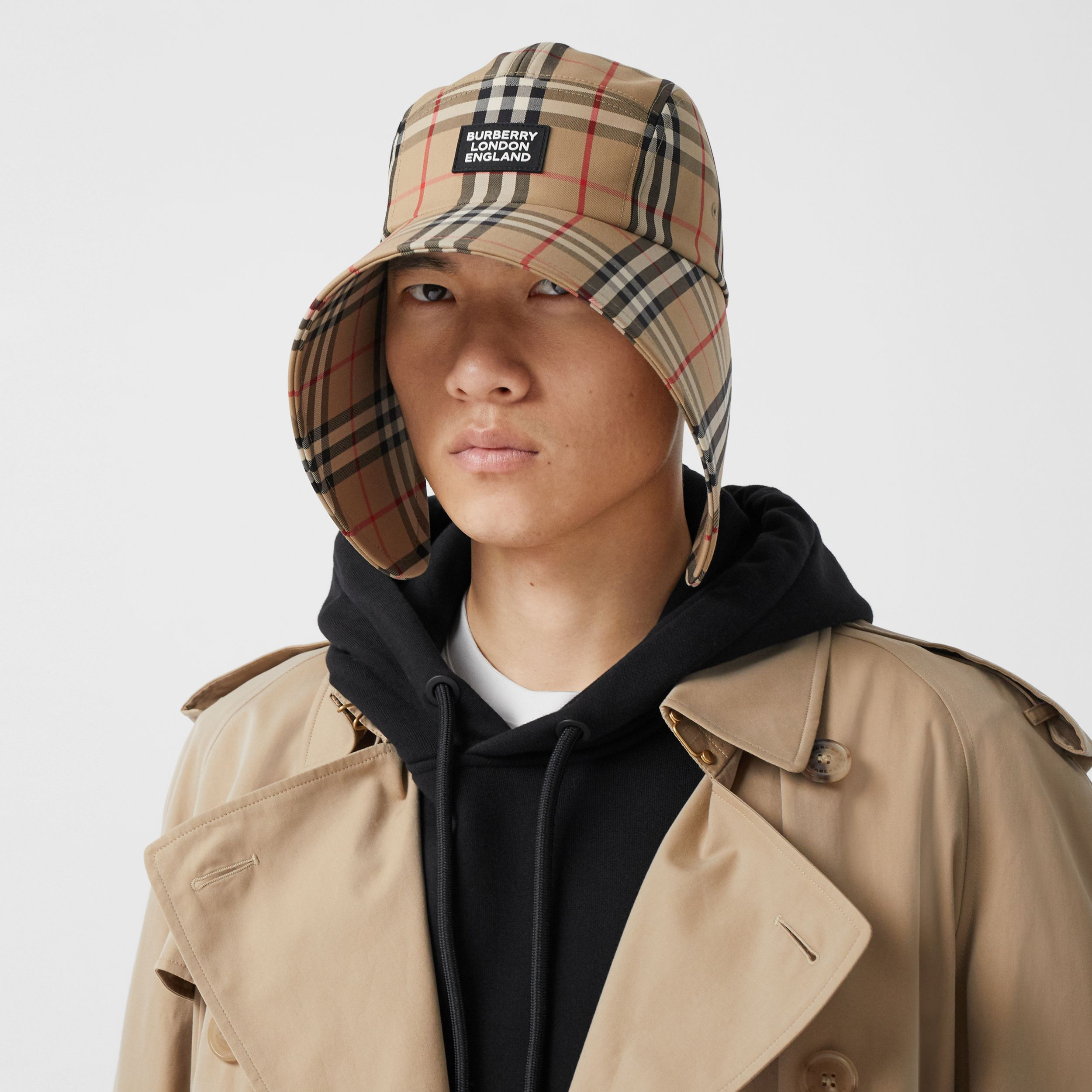 Logo Appliqué Vintage Check Bonnet Cap in Archive Beige | Burberry Singapore - 4
