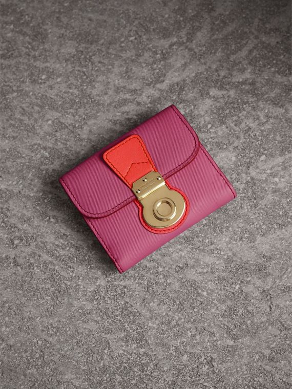 Trench Leather Wallet in Rose Pink