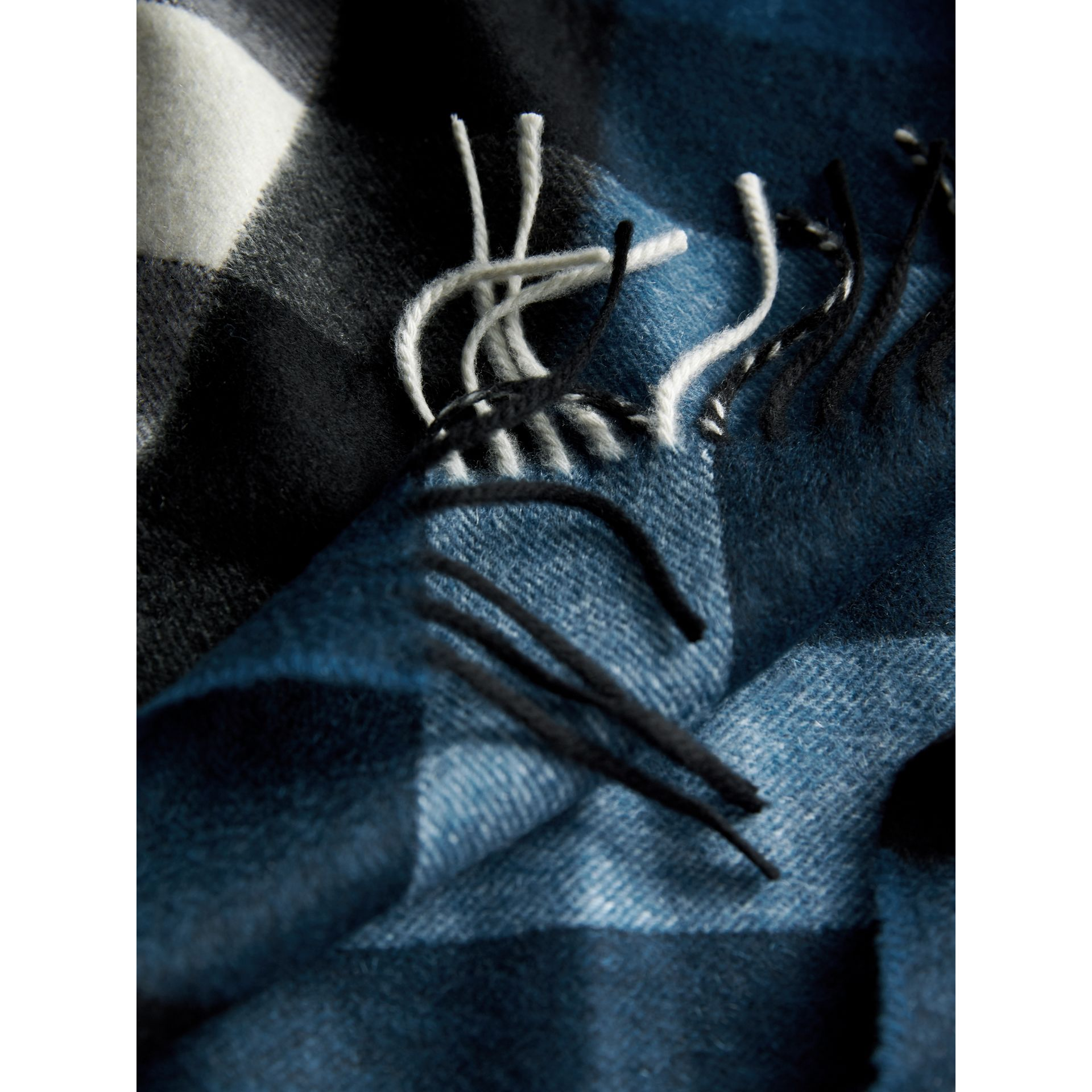 The Large Classic Cashmere Scarf in Check in Marine Blue | Burberry United States - gallery image 5