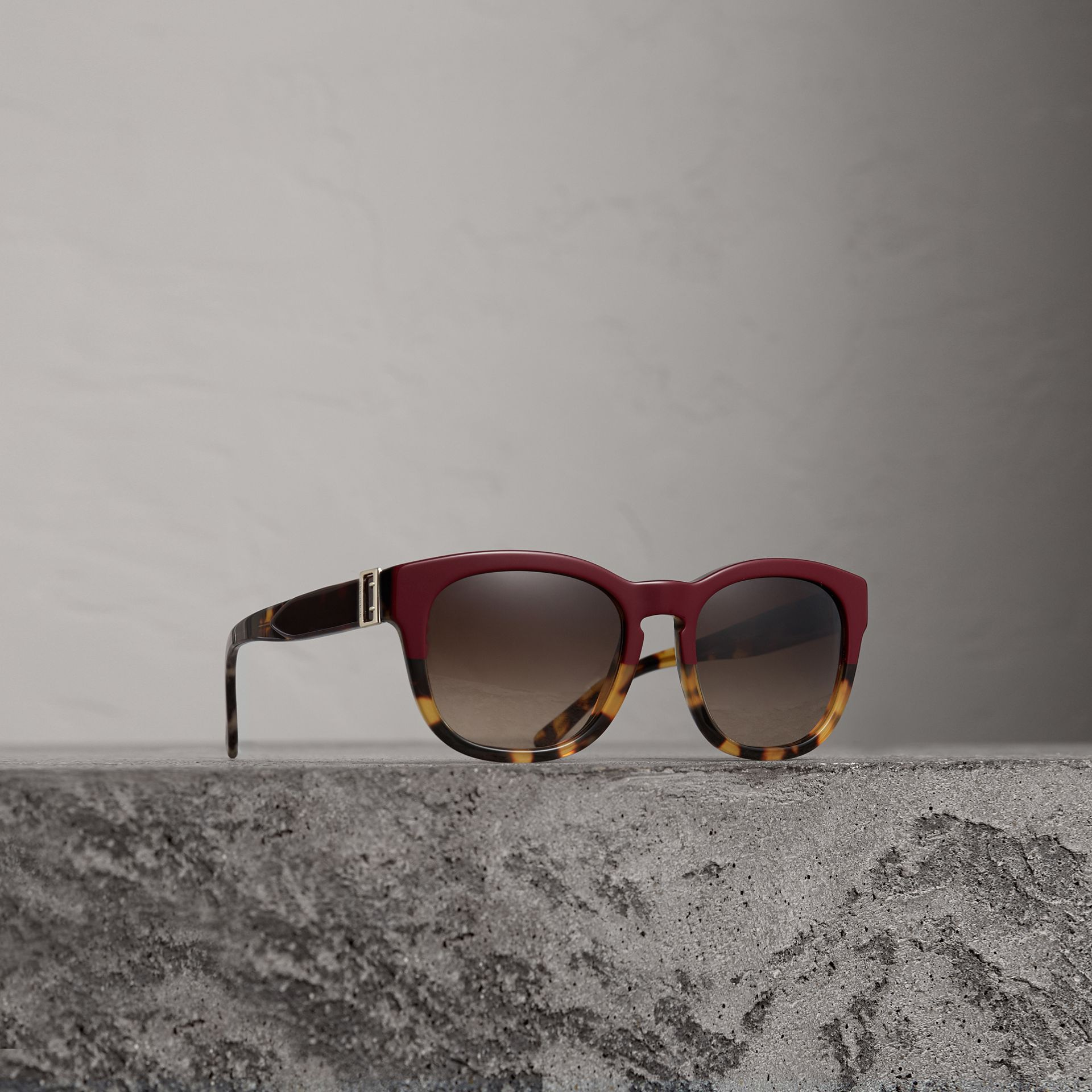 Buckle Detail Square Frame Sunglasses in Burgundy - Women | Burberry United States - gallery image 0