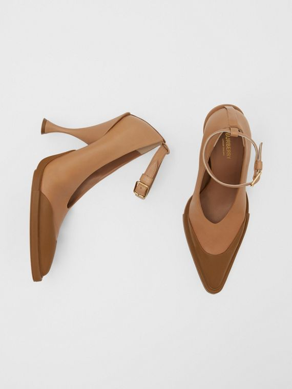 Toe Cap Detail Leather Point-toe Pumps in Soft Camel