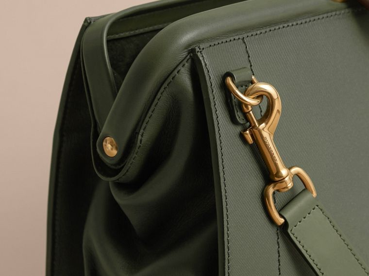 The DK88 Doctor's Bag with Alligator in Dark Forest Green - Men | Burberry United Kingdom - cell image 4