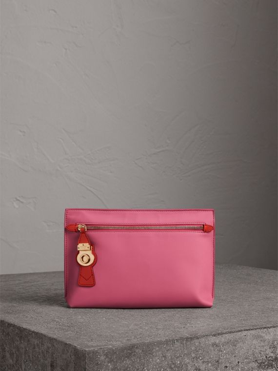Two-tone Trench Leather Wristlet Pouch in Rose Pink
