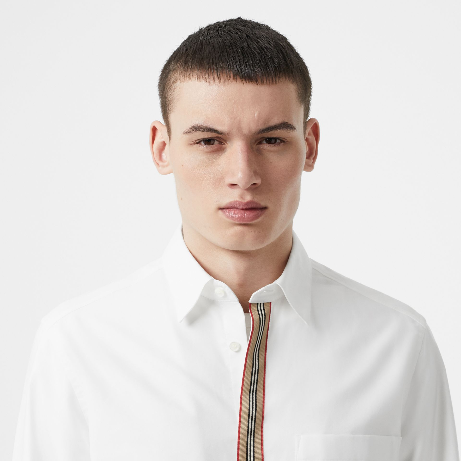 Icon Stripe Detail Stretch Cotton Poplin Shirt in White - Men | Burberry - gallery image 1