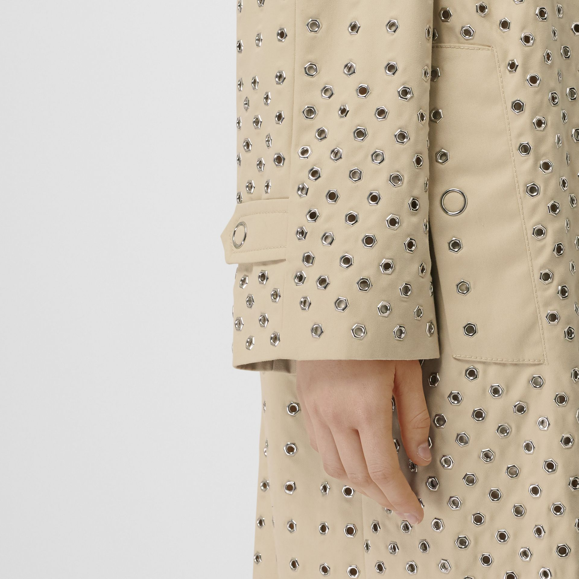 Eyelet Detail Cotton Car Coat in Light Beige - Women | Burberry - gallery image 4