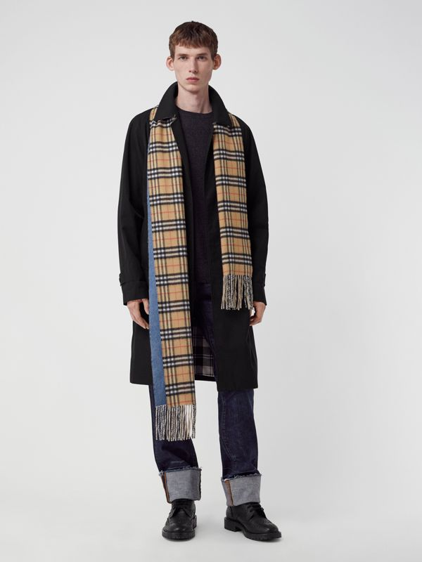 Long Reversible Vintage Check Double-faced Cashmere Scarf in Stone Blue | Burberry United Kingdom - cell image 3