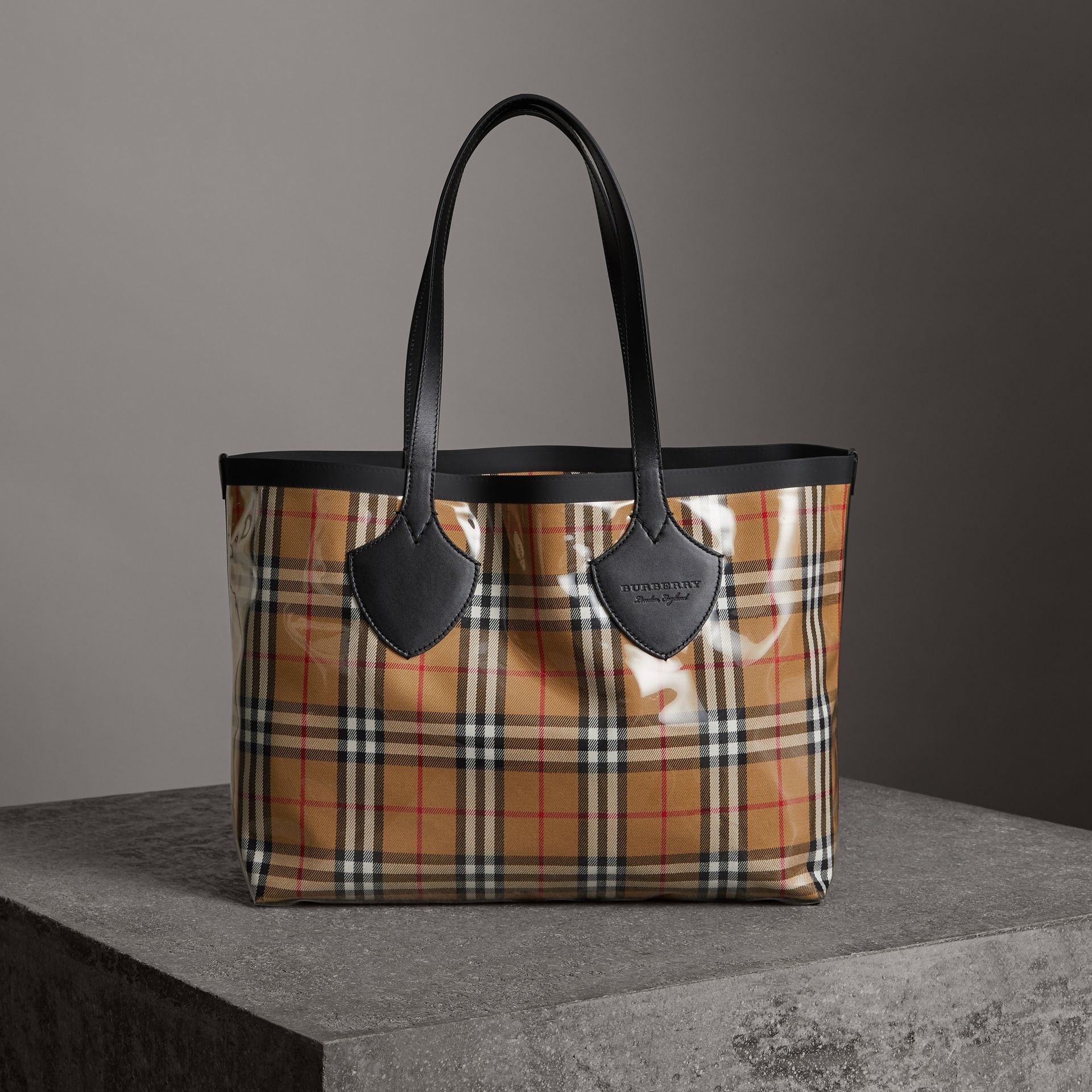 The Medium Giant Tote in Plastic and Vintage Check in Antique Yellow/black - Women | Burberry United Kingdom - gallery image 0