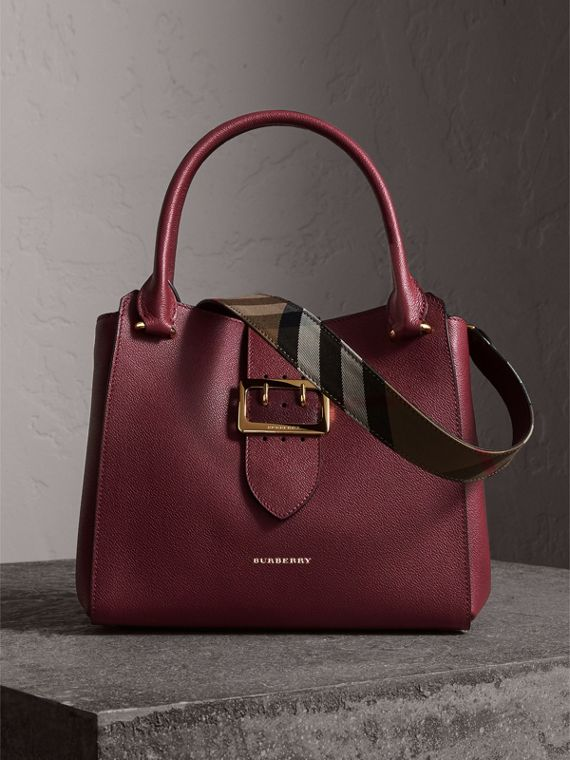 The Medium Buckle Tote in Grainy Leather in Dark Plum - Women | Burberry
