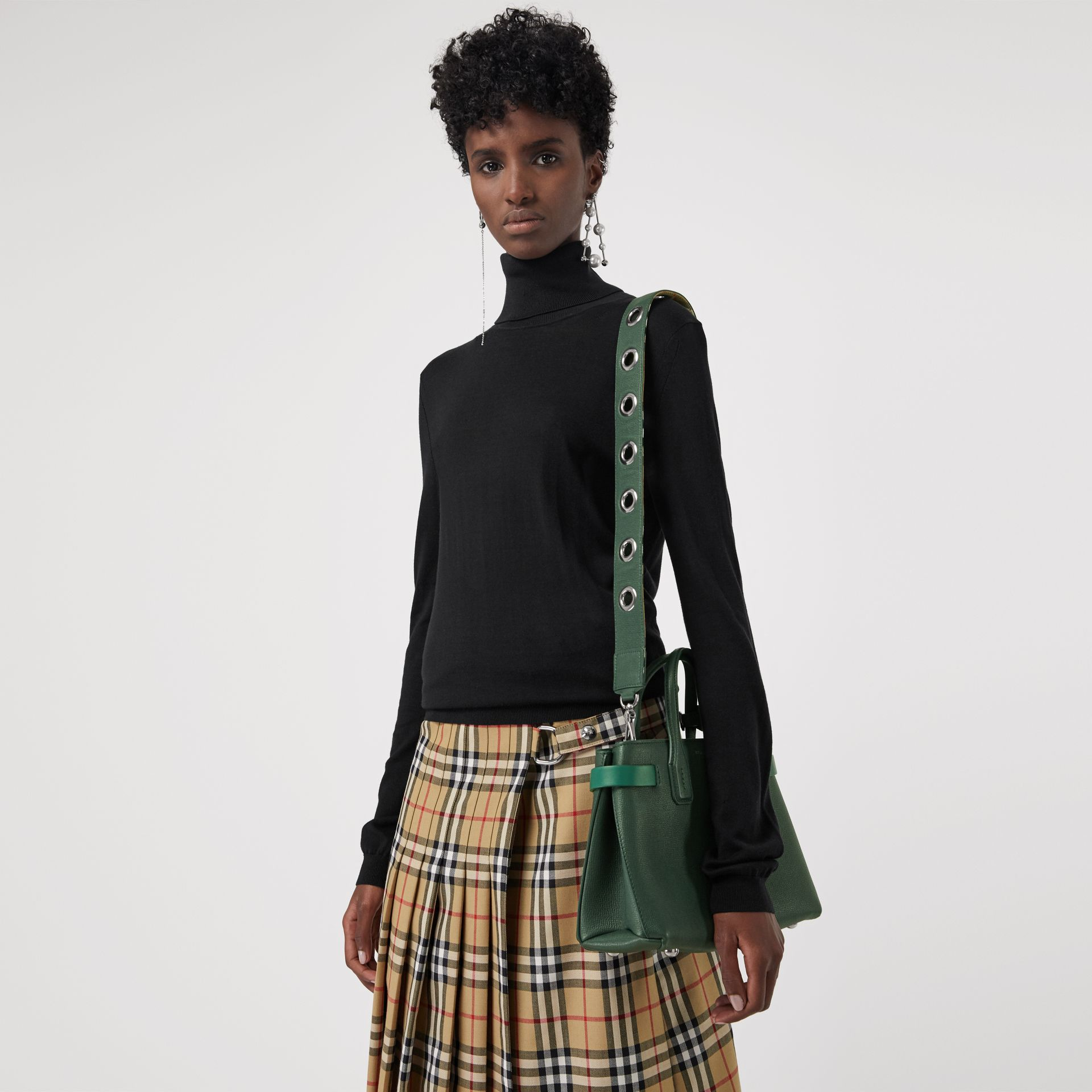 The Small Banner in Grainy Leather in Vintage Green - Women | Burberry Australia - gallery image 3