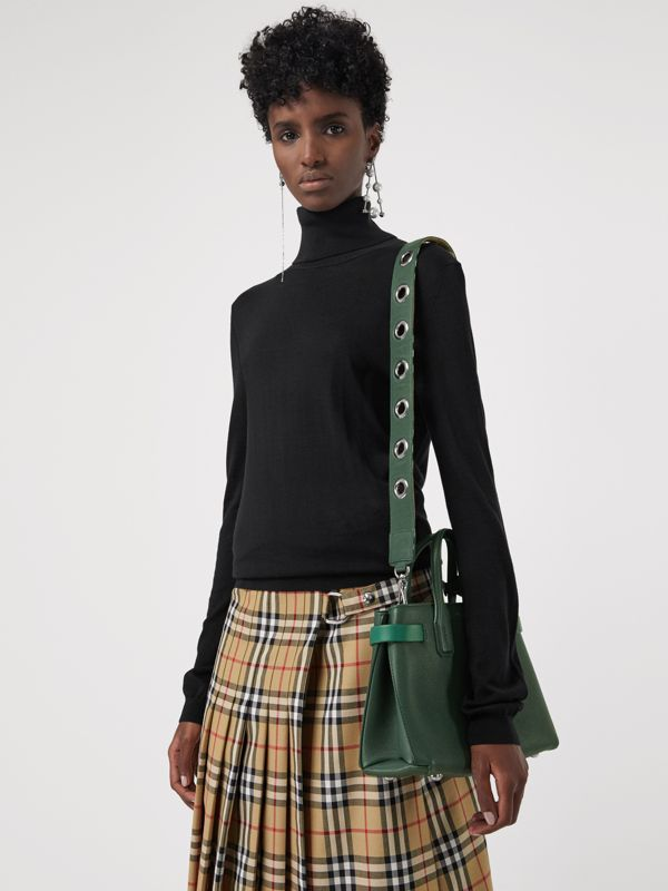 The Small Banner in Grainy Leather in Vintage Green - Women | Burberry - cell image 3