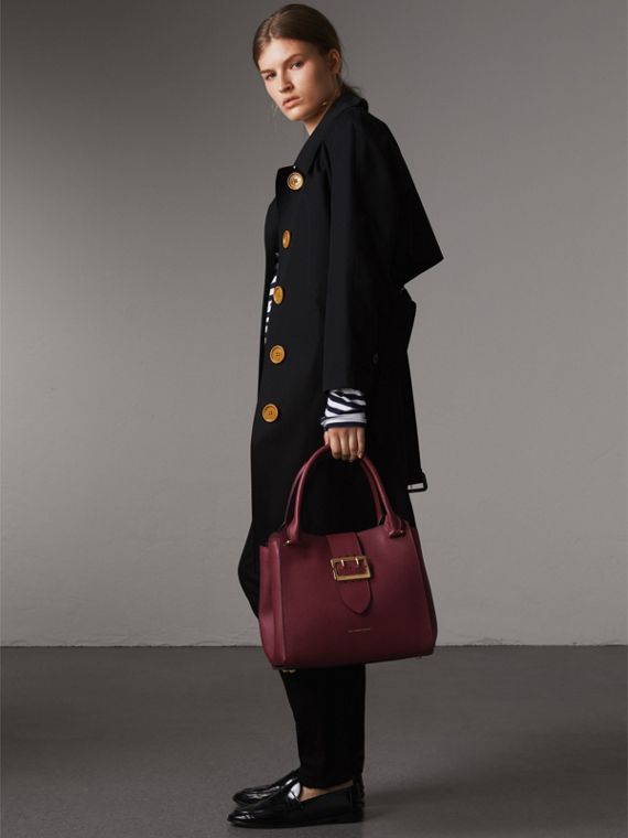 The Medium Buckle Tote in Grainy Leather in Dark Plum - Women | Burberry Australia - cell image 2
