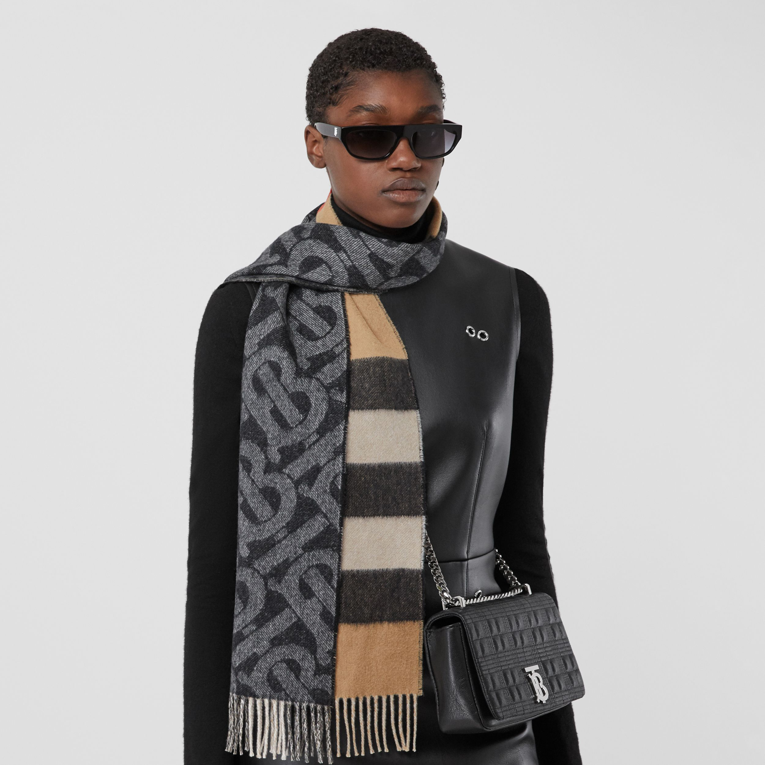 Reversible Check and Monogram Cashmere Scarf in Black / White | Burberry - 3