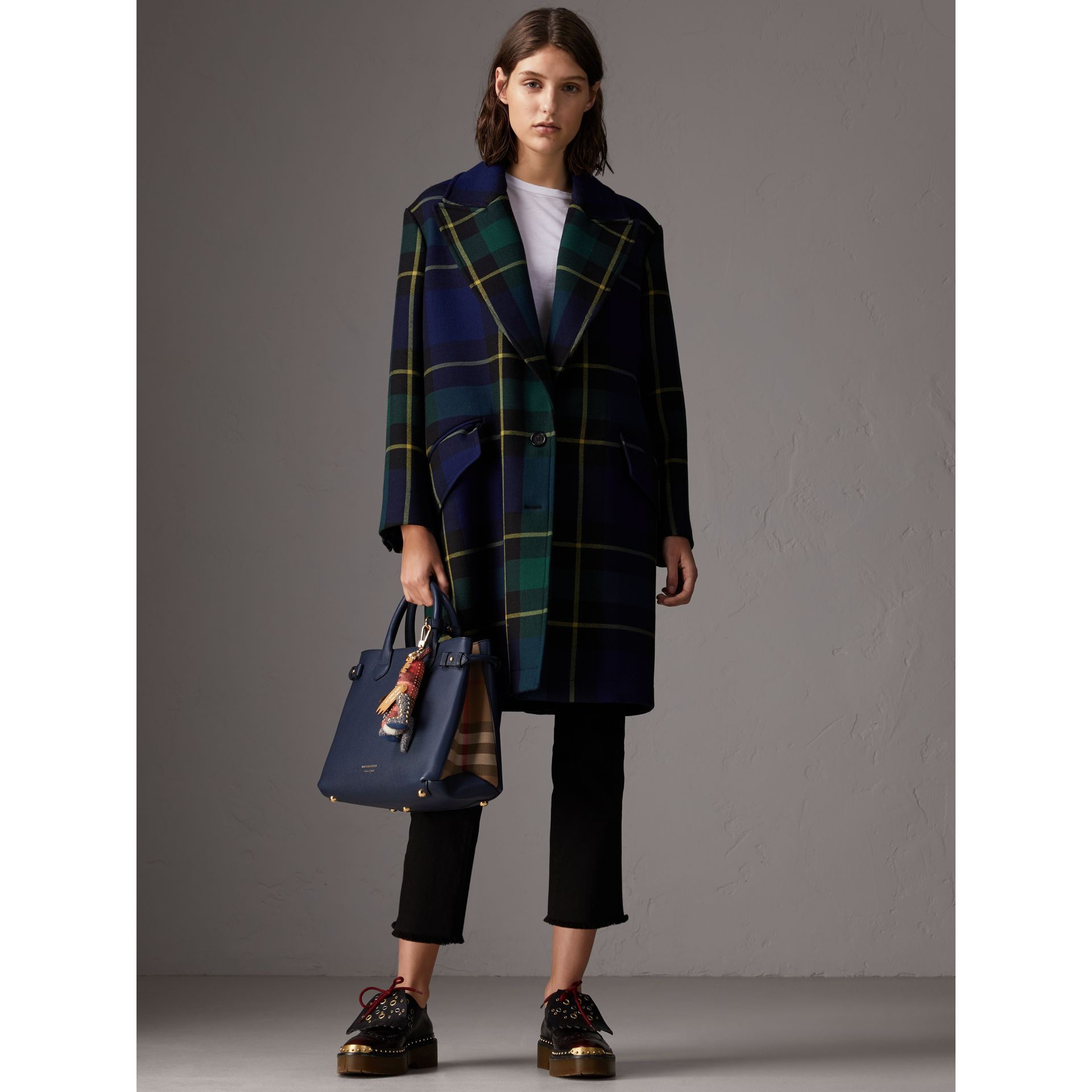 Sac The Banner medium en cuir et coton House check (Bleu Encre) - Femme | Burberry - photo de la galerie 2