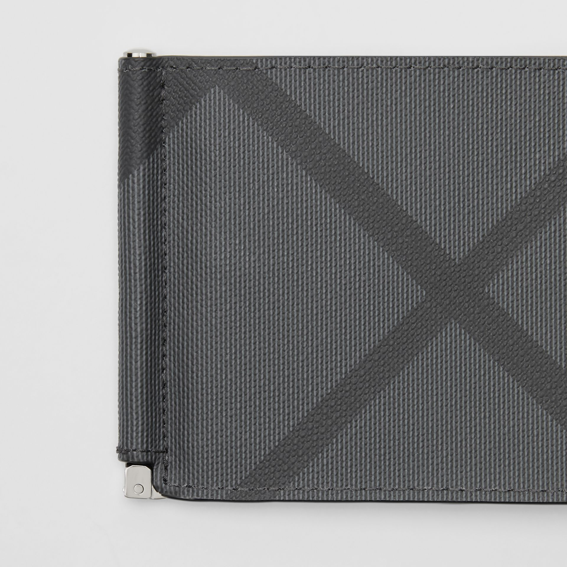London Check and Leather Money Clip Card Wallet in Charcoal/black - Men | Burberry - gallery image 1