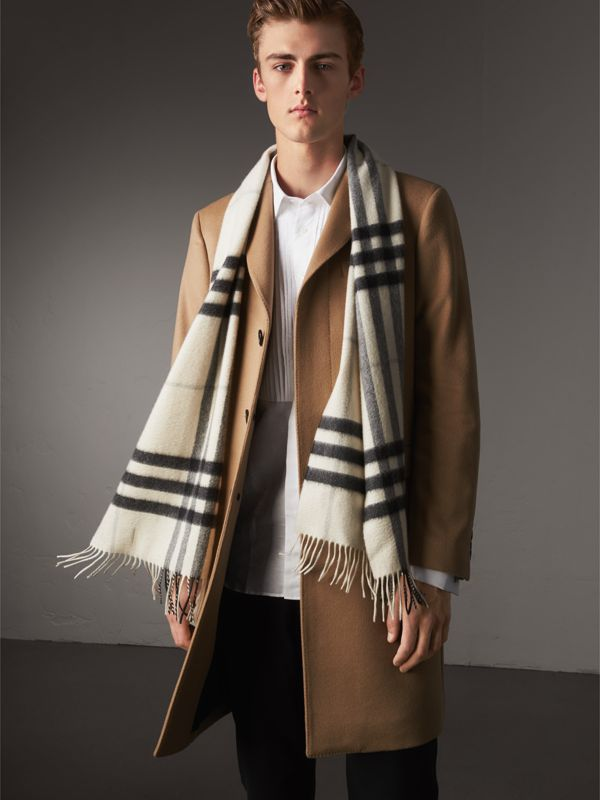 The Classic Cashmere Scarf in Check in Natural White | Burberry Australia - cell image 3