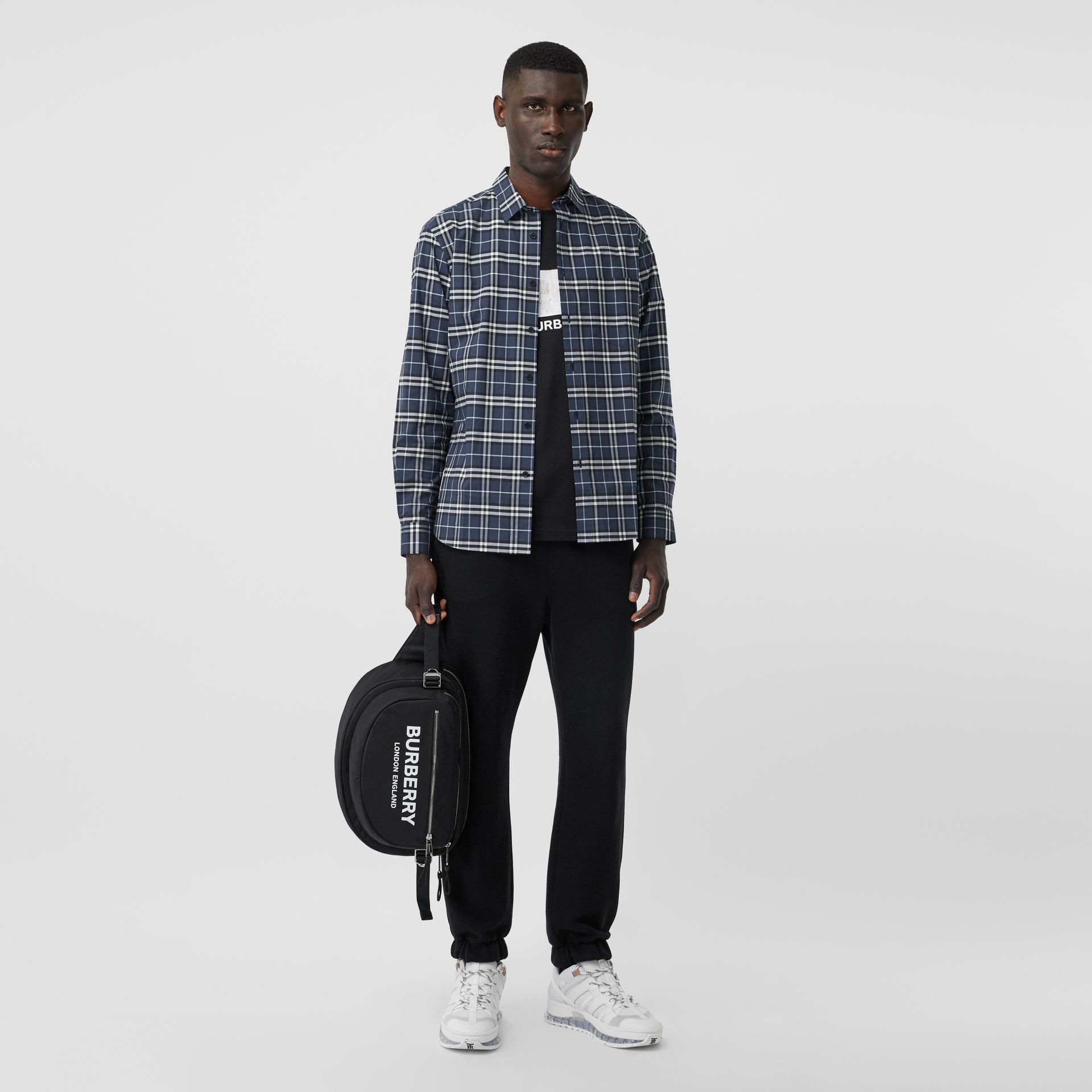 Small Scale Check Stretch Cotton Shirt in Dark Navy - Men | Burberry Hong Kong S.A.R - gallery image 0