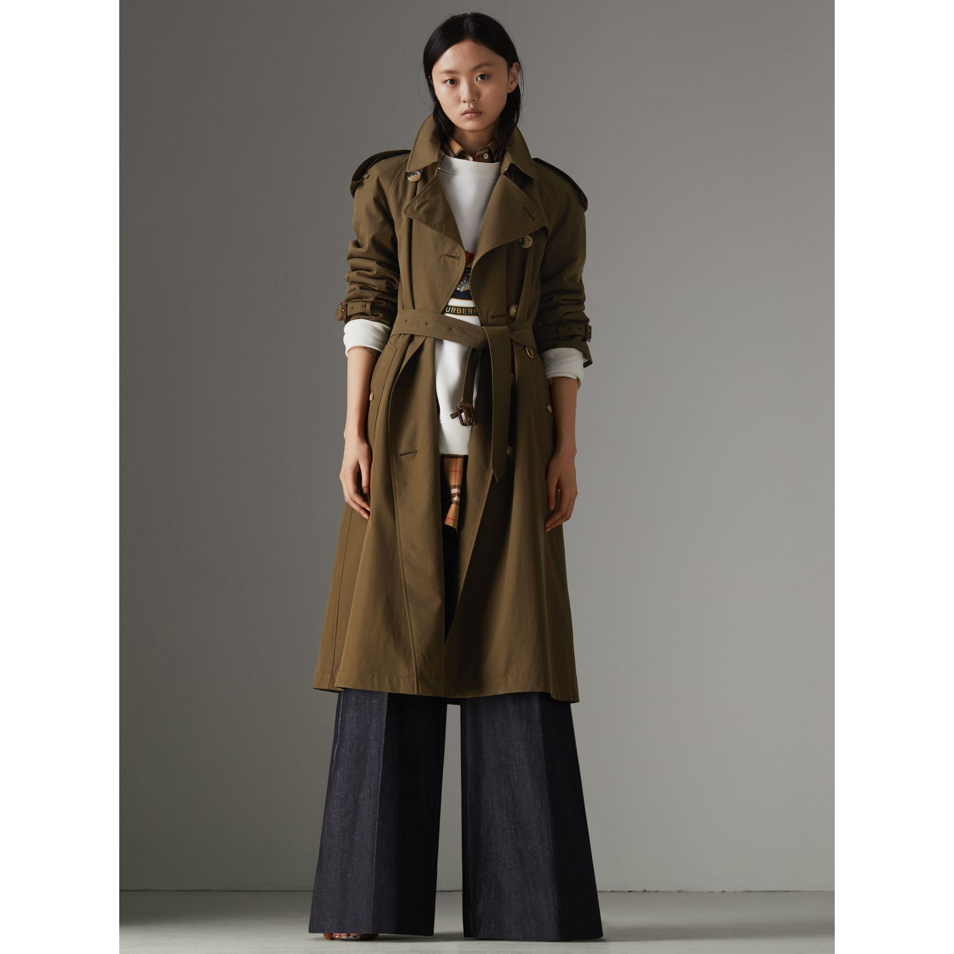 The Long Westminster Heritage Trench Coat in Dark Military Khaki - Women | Burberry - gallery image 9