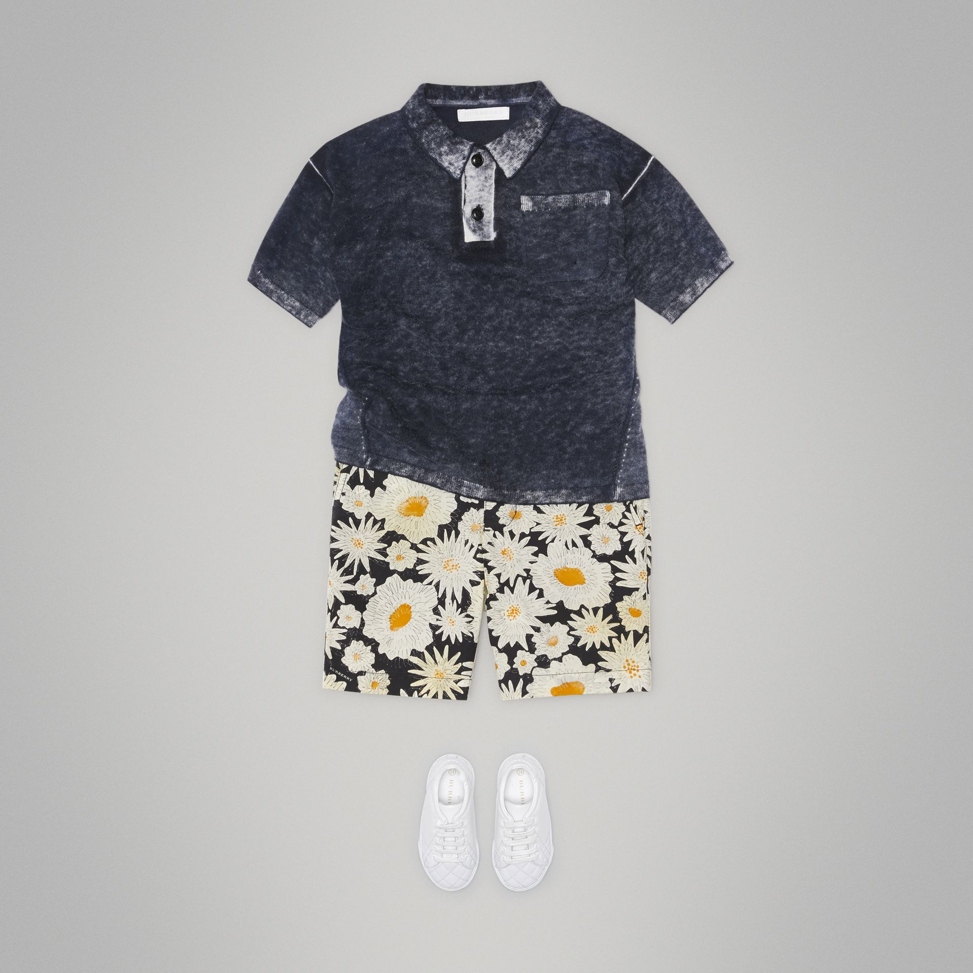 Daisy Print Cotton Chino Shorts in Black | Burberry - gallery image 2