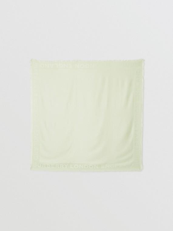 Foulard grande in seta e lana con lavorazione jacquard e monogramma (Verde Pistacchio)