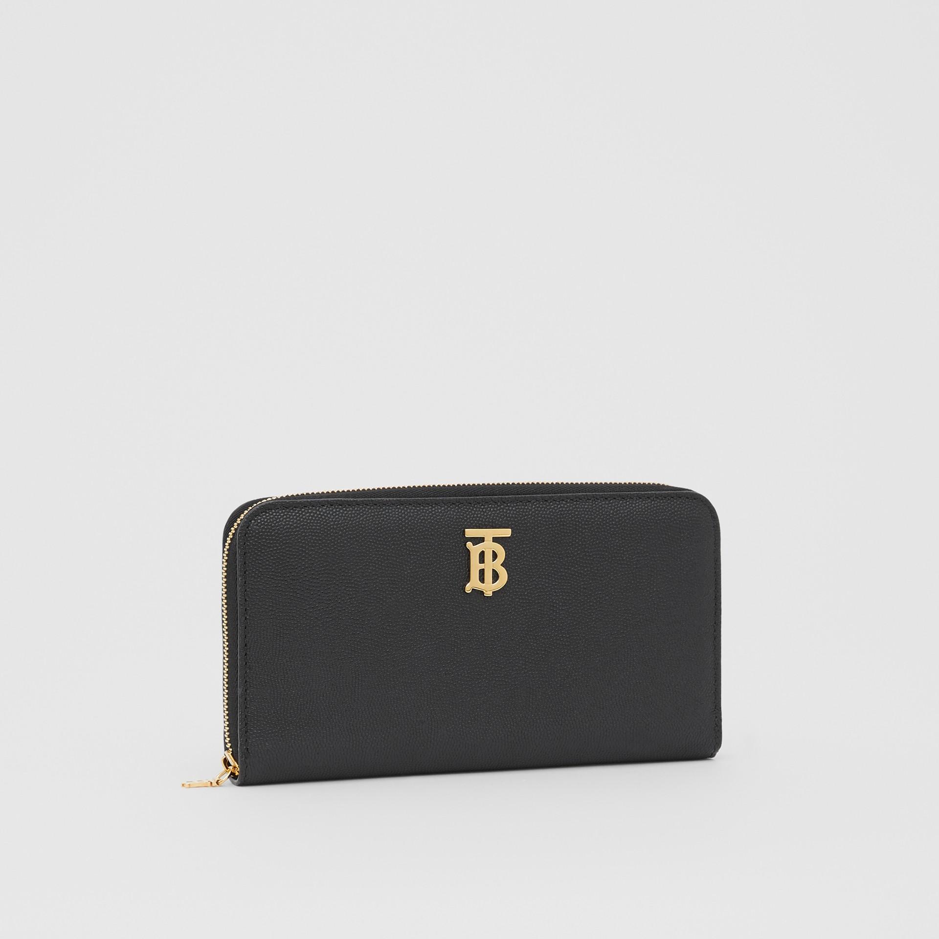 Portefeuille zippé en cuir grainé Monogram (Noir) - Femme | Burberry Canada - photo de la galerie 4