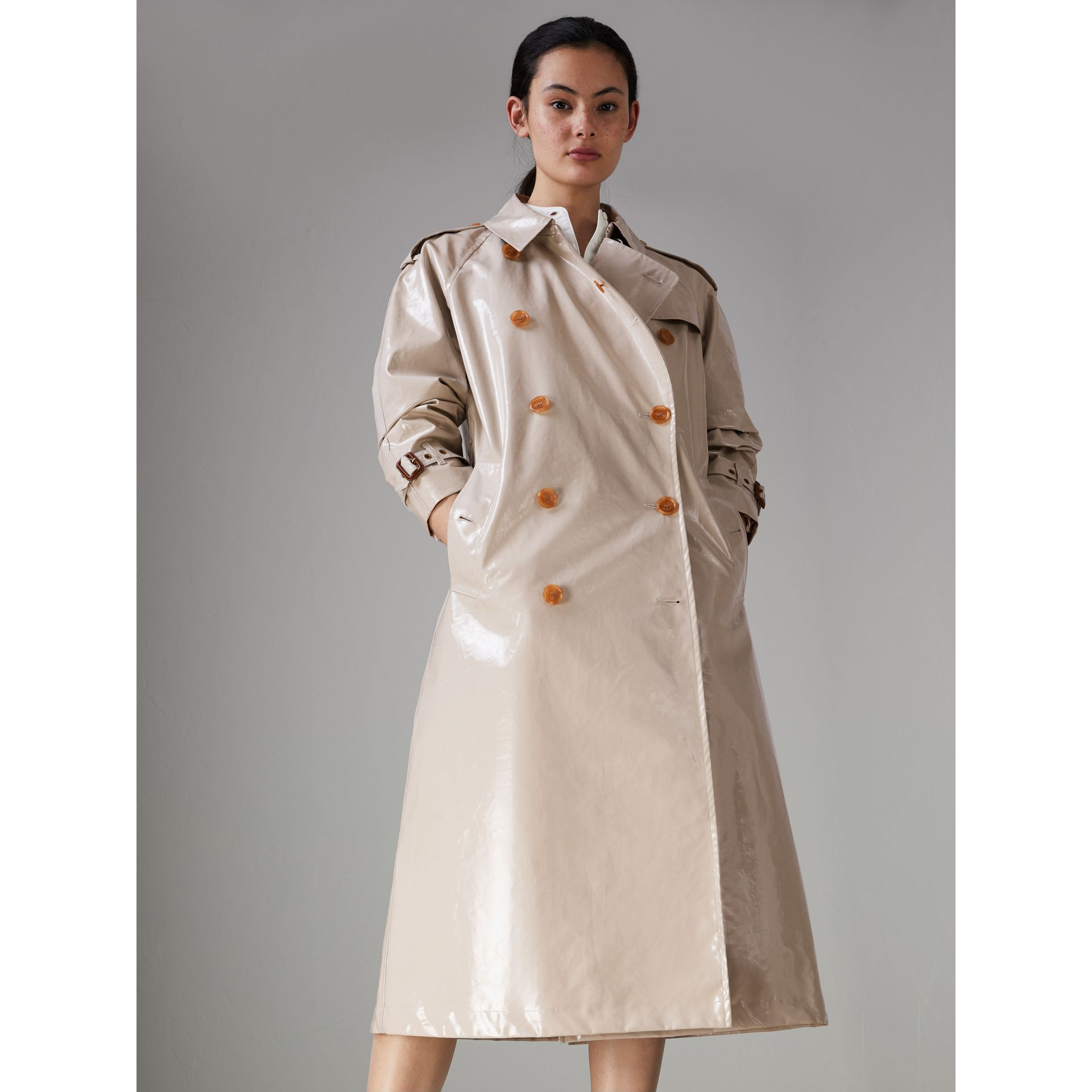 Raglan-sleeve Laminated Gabardine Trench Coat in Stone - Women | Burberry - gallery image 4