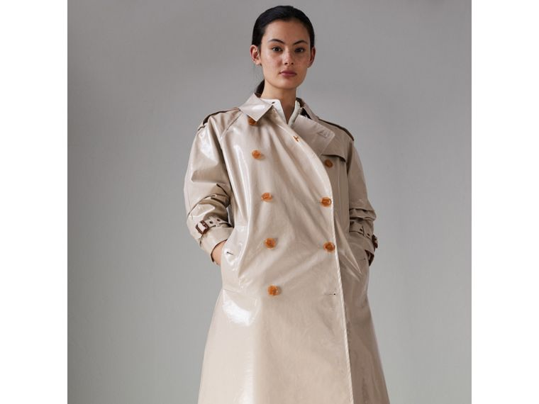 Raglan-sleeve Laminated Gabardine Trench Coat in Stone - Women | Burberry United Kingdom - cell image 4