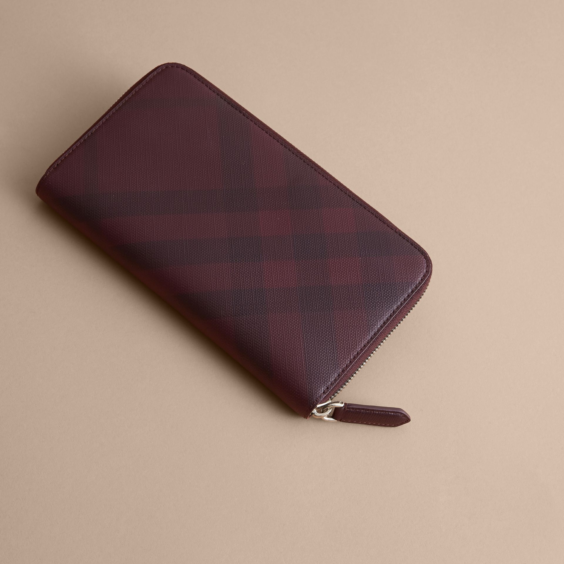 London Check Ziparound Wallet in Deep Claret - Men | Burberry - gallery image 4
