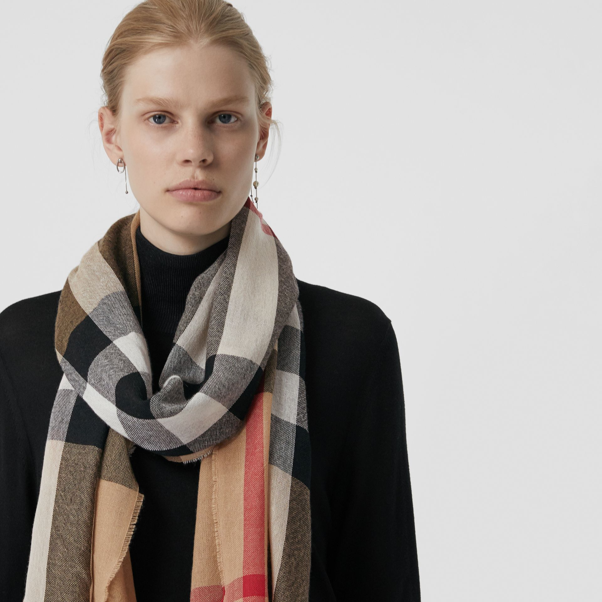 Lightweight Check Wool Cashmere Scarf in Camel | Burberry - gallery image 4