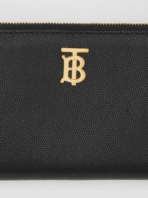 Portefeuille zippé en cuir grainé Monogram (Noir) - Femme | Burberry Canada - cell image 1
