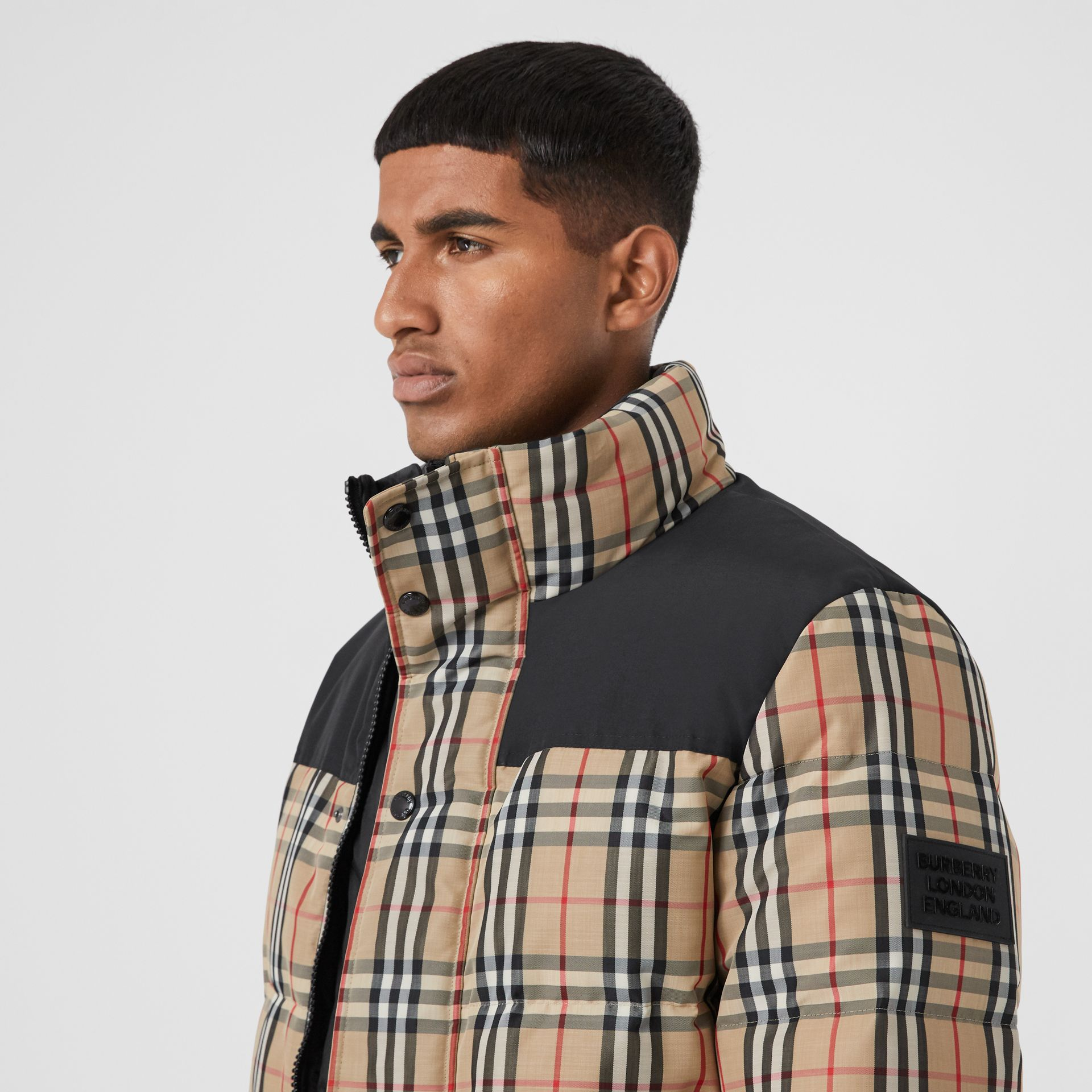 Reversible Vintage Check Recycled Polyester Jacket in Archive Beige - Men | Burberry - gallery image 4