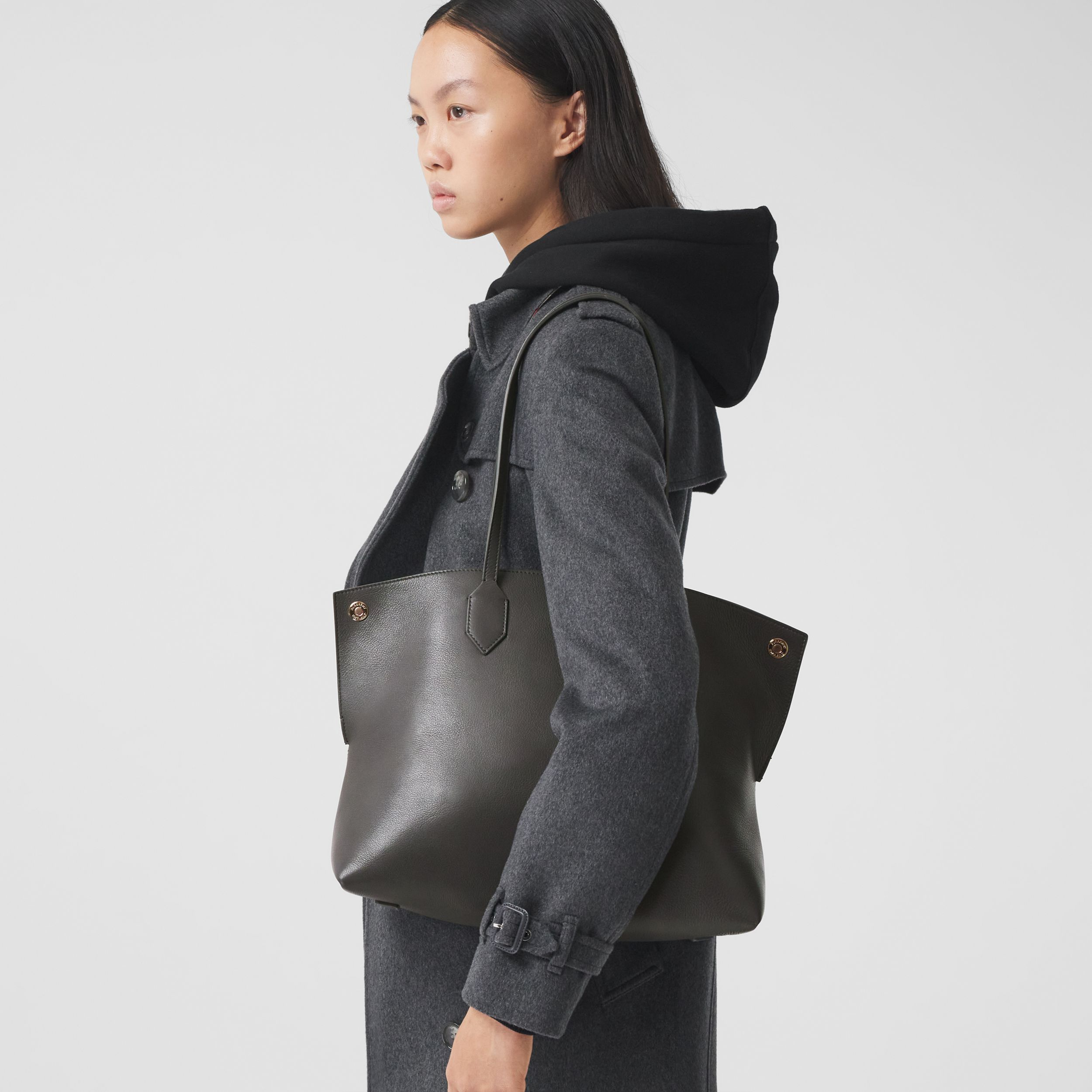 Medium Leather Society Tote in Anthracite - Women | Burberry - 3