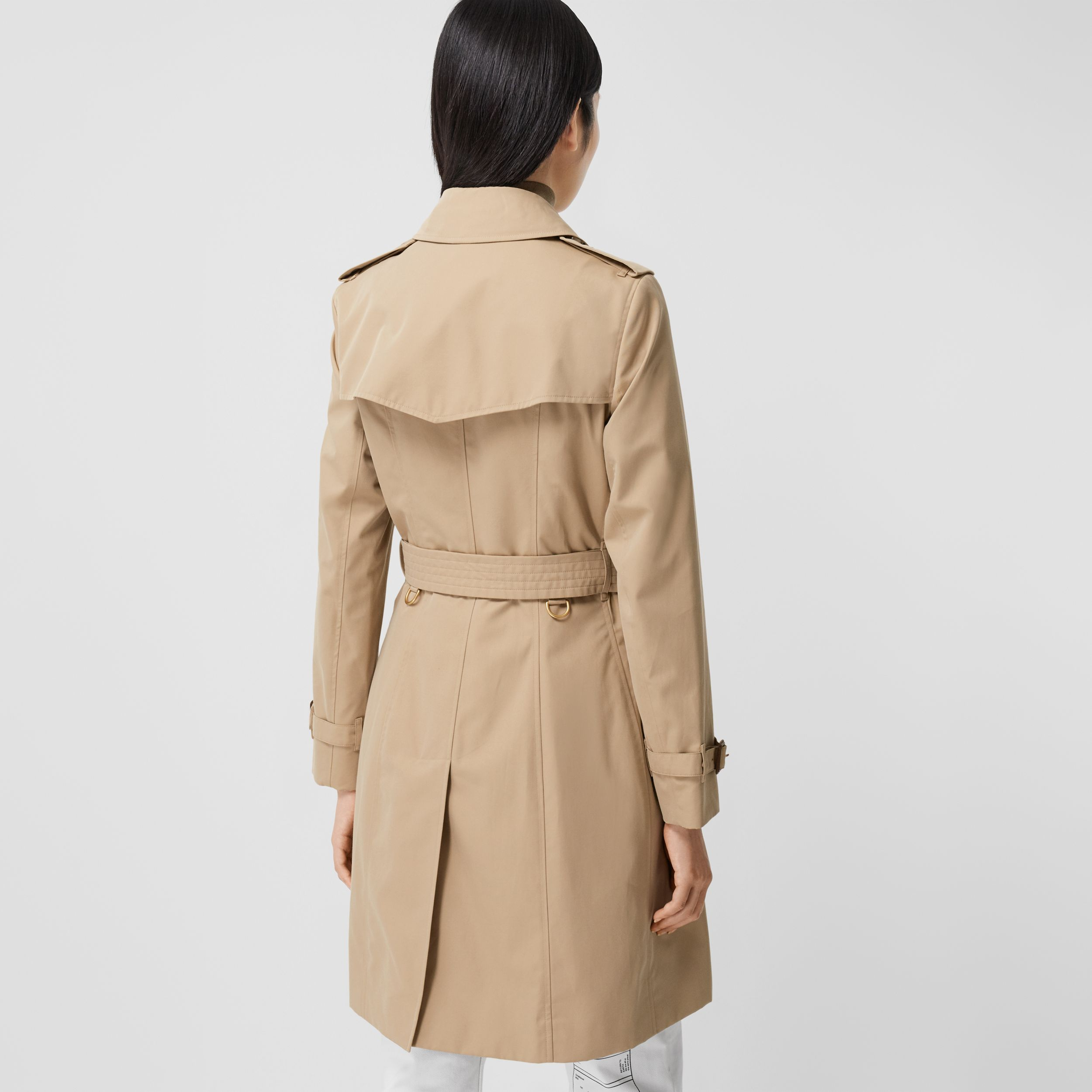 The Mid-length Chelsea Heritage Trench Coat in Honey - Women | Burberry - 3